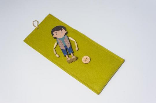 Dřevěná figurka - chlapeček