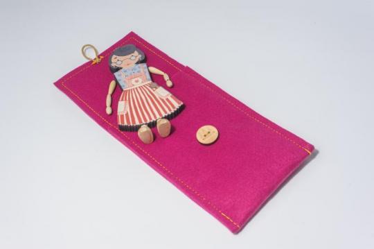 Dřevěná figurka - babička