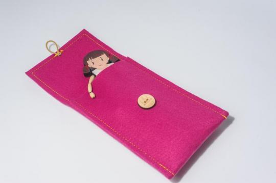 Dřevěná figurka - holčička Mařenka