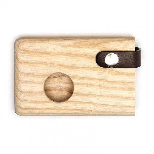 Malá peněženka/vizitkář z jasanového dřeva